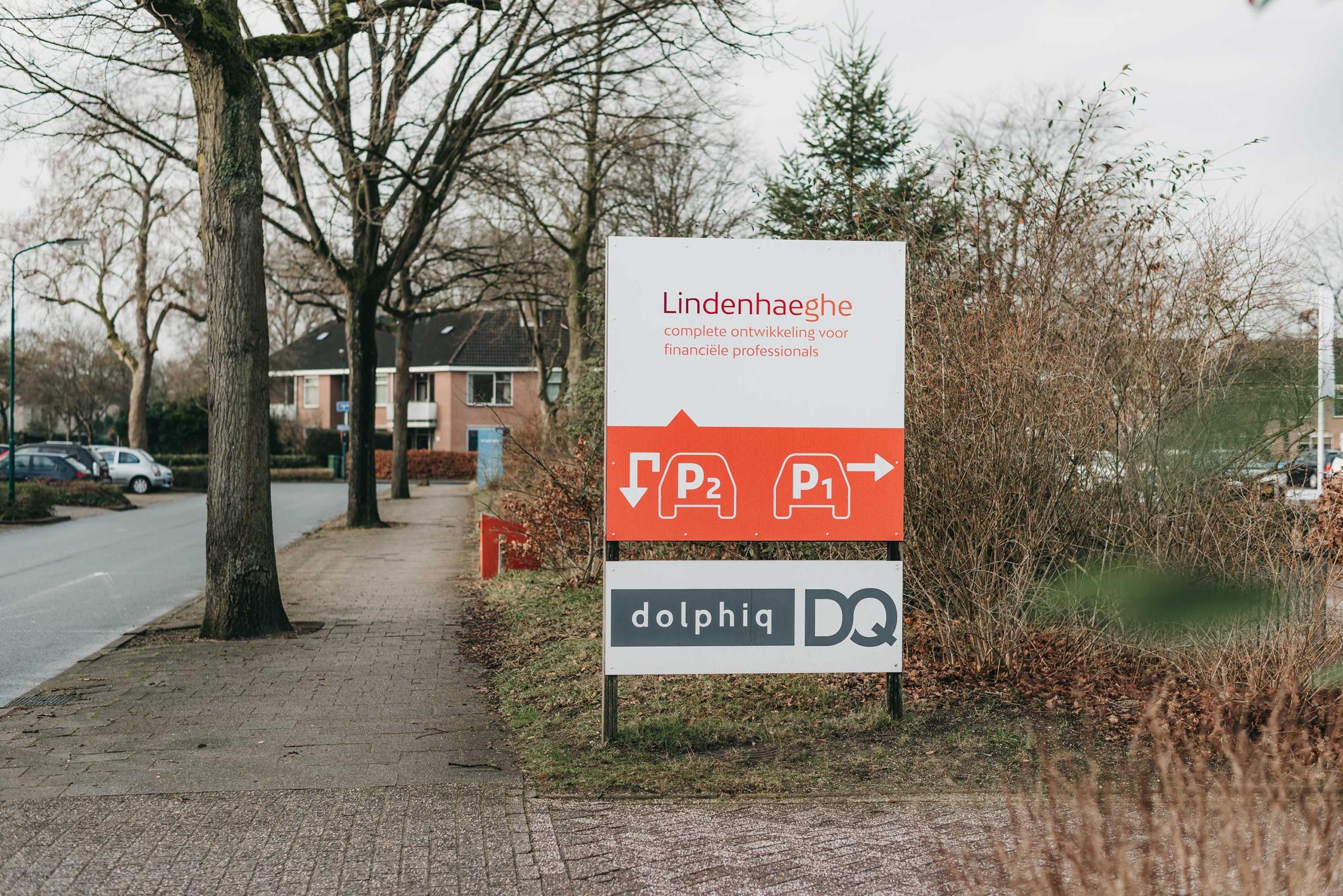 Lindenhaeghe-parkeerbordjes-groot-Signploeg-scaled