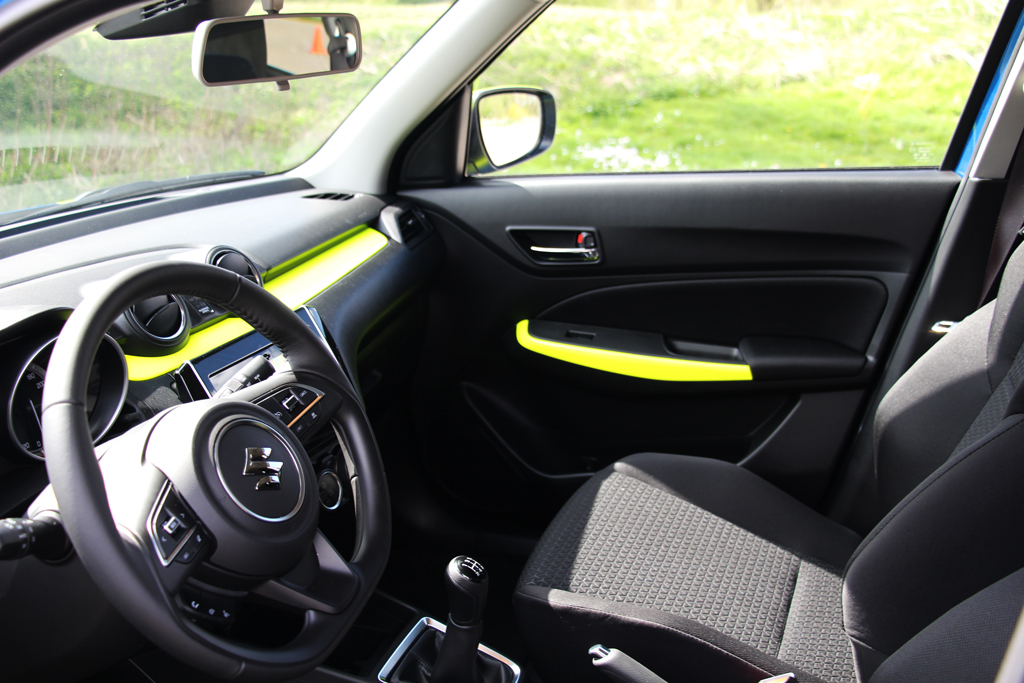 interieur-striping-suzuki