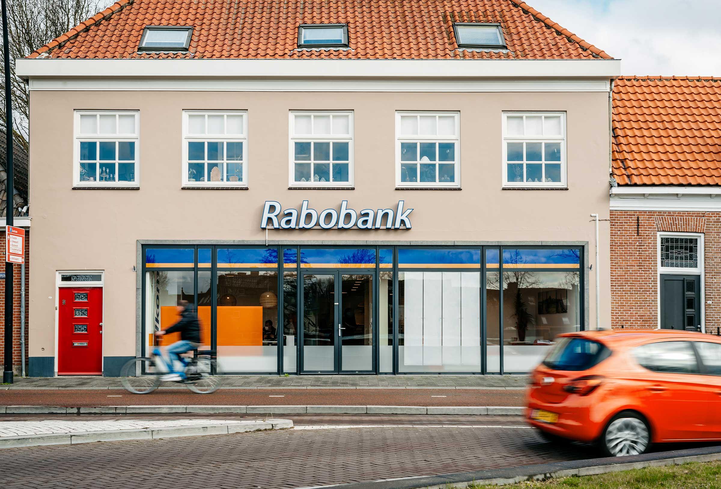 Rabobank-Harderwijk-gevel-raamfolie-Signploeg